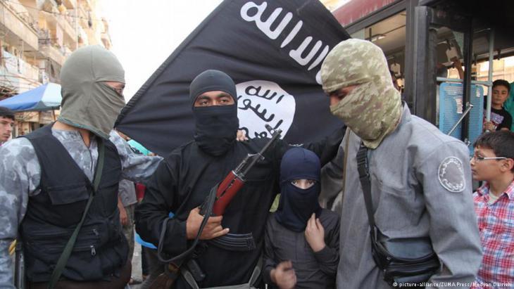 مسلحون تابعون للقاعدة في مدينة حلب لسورية الصورو بيكتشر اليانس