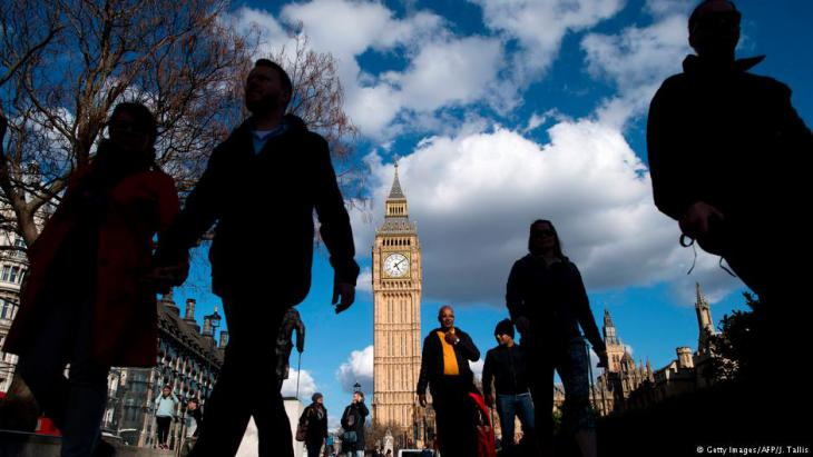 برج إليزابيث، والمعروف شعبيا باسم بيغ بن في لندن.
