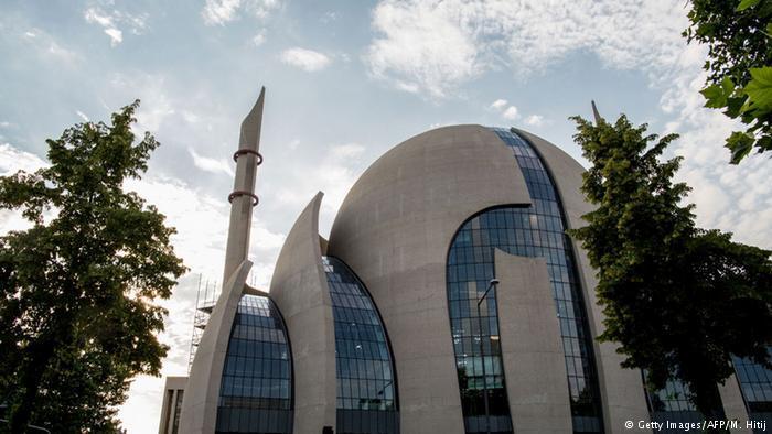 مسجد كولونيا الكبير في ألمانيا...تسامح ديني: تصميم هندسي غربي ألماني على الطراز الإسلامي العثماني