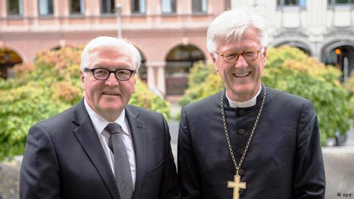 الرئيس الالماني شتاينماير مع ممثلي الكنائس