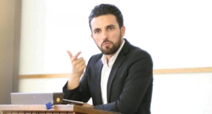 شيفلي آدمي باحث معروف بحقوق الشريعة وأصول الفقه في جامعة أوكسفورد