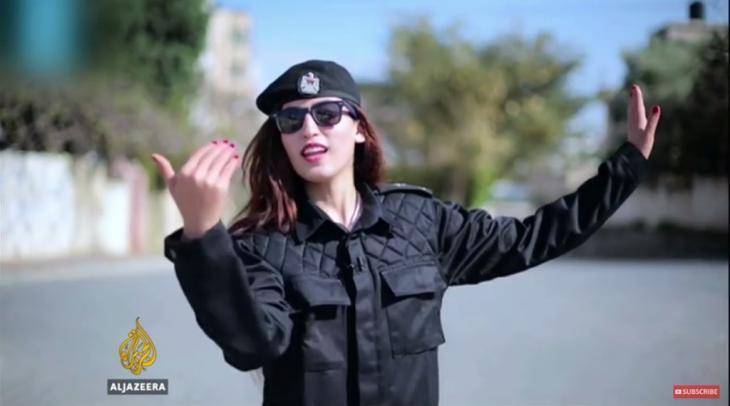 ريهام الكحلوت ممثلة كوميدية فلسطينية  Reham al-Kahlout  -  Screen shot Aljazeera