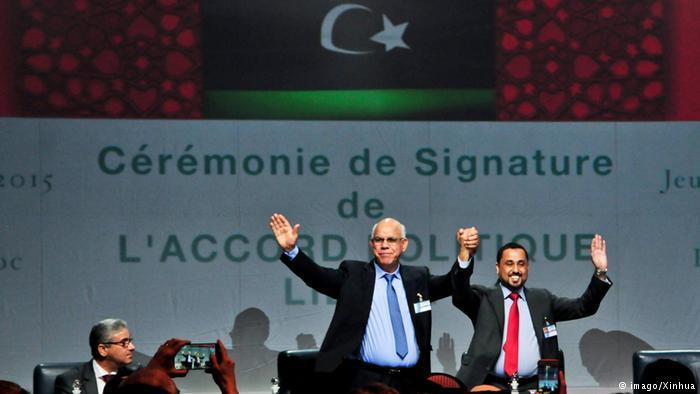 نجح الدبلوماسي الألماني مارتين كوبلر في التوصل مع الأطراف الليبية في الصخيرات إلى اتفاق سلام يهدف لإنهاء الصراع السياسي والعسكري بينها في الخميس (17 كانون الأول/ ديسمبر 2015).