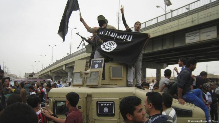 جهاديون في الفلوجة العراقية عام 2014.