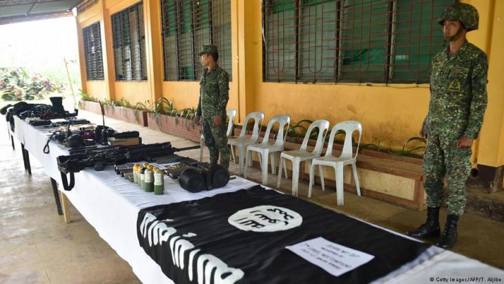 """انتشر تنظيم """"داعش"""" حتى أنه وصل إلى الفيليبين في منطقة ميراوي."""
