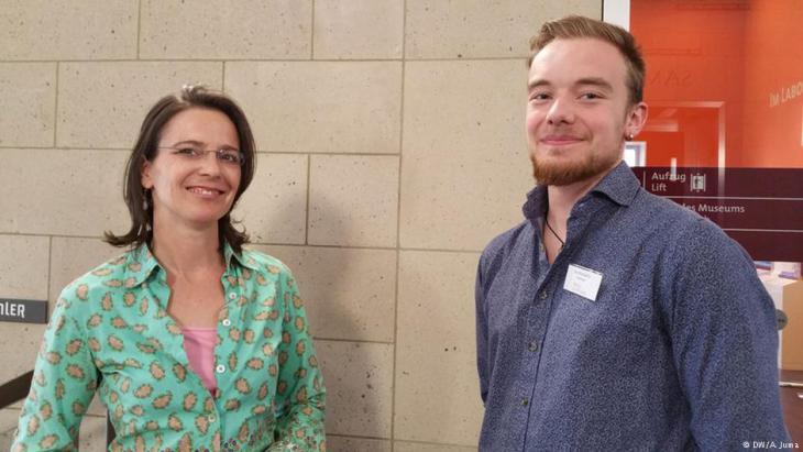 شتيفاني زونتاغ من متحف فالراف ريشارتس وكاي بلانكيرتس عبرا عن سعادتهما بالحضور.