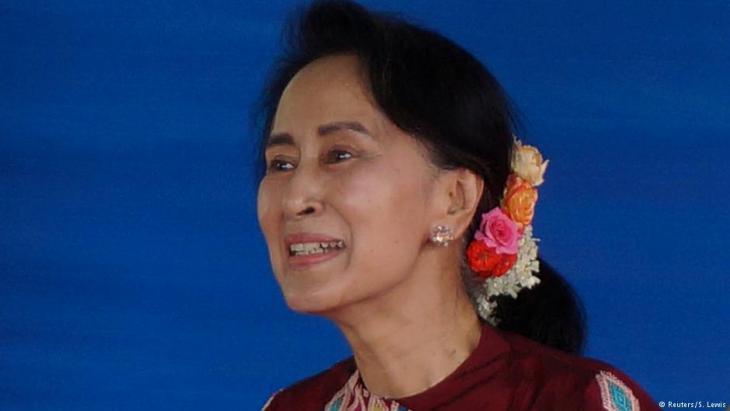 رئيسة وزراء ميانمار الحائزة على جائزة نوبل للسلام أونغ سان سو كي. Foto: Reuters