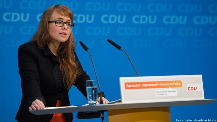 برلمانية ألمانية من أصول تركية مسلمة: جميلة يوسف. Foto: picture-alliance/dpa