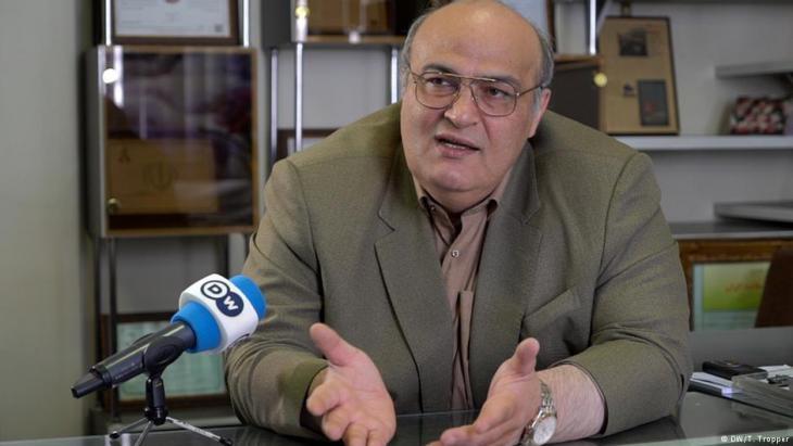 """يقول الطبيب والنائب البرلماني ورئيس """"الجالية اليهودية في طهران""""، سيامك مره صدق. Foto: DW"""