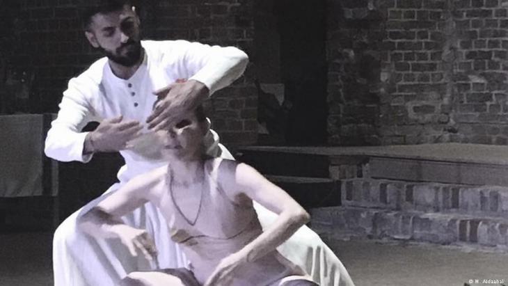 نير دي فولف أشهر مصمم  للرقص الجسدي يسهر على صقل مواهب مدحت