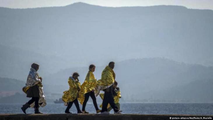 الهروب من ويلات الحرب: أكثر من عشرة مليون شخص فرّوا من سورية أو تركوا مدنهم مع تصاعد الأزمة السورية. بحلول عام 2015، تم تسجيل أكثر من ستة مليون لاجئ سوري في دول الجوار خصوصاً.