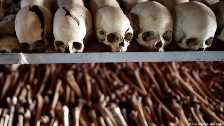 صورة عن المذابح الوحشية: بحسب تقديرات الأمم المتَّحدة فقد قُتل في رواندا في عام 1994 ما بين ثمانمائة ألف شخص ومليون شخص. Quelle: Getty Images