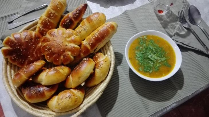 طعام إفطار - فطور جزائري.  (source: Facebook; Drifa Mezenner)
