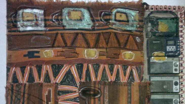 """""""الفن البيئي"""" أو """"الفن الشعبي التركيبي المعاصر""""، عنوان لضرب من ضروب الفن التشكيلي، كما يسميه مبتكره الفنان العراقي الشاب، عقيل خريف (33 عاماً)، ويهدف من خلاله إلى تجميل مدينته بغداد عن طريق جمع النفايات المختلفة، المعدنية منها والمطاطية، ليدًورها إلى أعمالاً فنية على هيئة لوحات ومجسمات."""