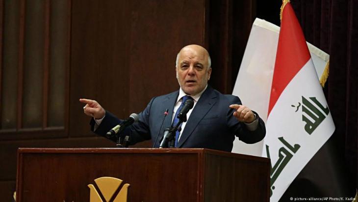 """وصل رئيس الوزراء العراقي حيدر العبادي إلى مدينة الموصل الأحد (التاسع في تموز/ يوليو 2017) وهنأ القوات المسلحة """"بتحقيق النصر"""" على تنظيم """"داعش""""، وذلك بعد ثمانية أشهر من حرب شوارع ضروس مما يضع حداً لثلاث سنوات من سيطرة التنظيم على المدينة. لكن في غياب حلول للمشكلات الجوهرية التي أدت إلى نشوئه، يحذر الخبراء من إمكان عودة ظهور الجماعات المتطرفة عاجلاً أم آجلاً."""