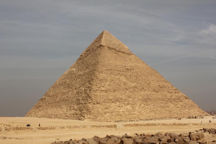 الهرم الأوسط في الجيزة - القاهرة - مصر. الصورة: ملهم الملائكة