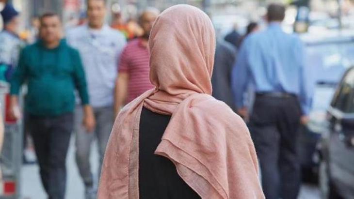 امرأة مسلمة في ألمانيا. (photo: Georg Wendt/dpa)