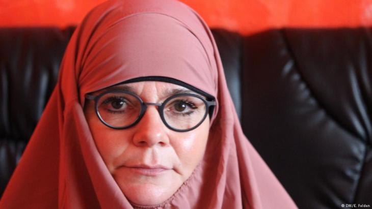"""زبينه لابه والدة كريستيان لابه المقاتل الألماني لصالح تنظيم الدولة الإسلامية """"داعش"""" والذي قُتِل عام 2017 في سوريا. Foto: E. Felden/DW"""
