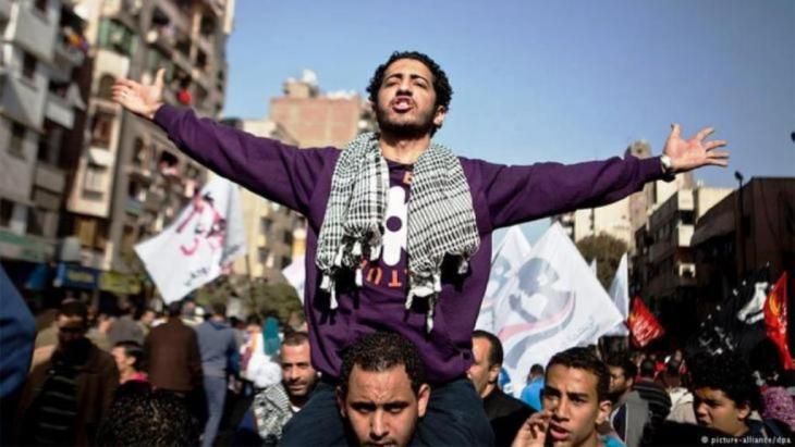 صورة رمزية للربيع العربي. الصورة من ميدان التحرير في القاهرة. الصورة رويترز