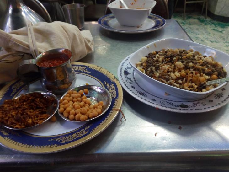 وجبة كشري مصرية نموذجية - القاهرة - مصر. الصورة: ملهم الملائكة