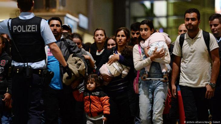 اللاجئون ماضون في مرحلة الاندماج في المجتمع الألماني