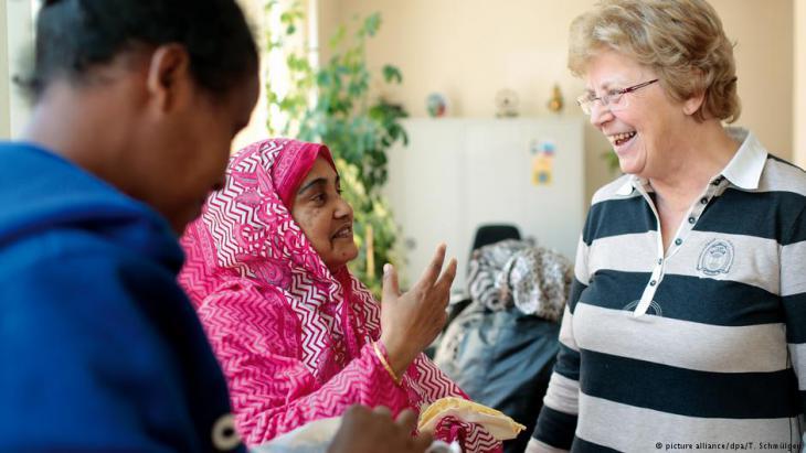 اللاجئون يتحولون إلى إدارات الإسكان الاجتماعي.