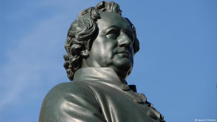 تمثال للأديب والشاعر الألماني يوهان فولفغانغ فون غوته (1749 - 1832).