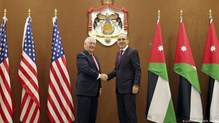 وزير الخارجية الأمريكي ريكلس تلرسون مع نظيره الأردني أيمن صفدي.