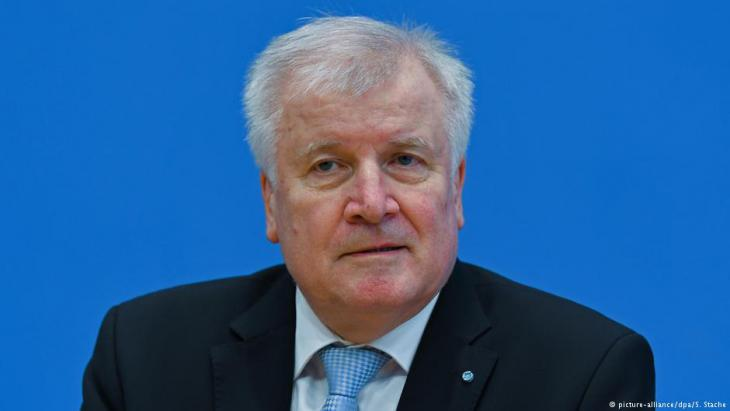 وزير الداخلية الجديد في ألمانيا هورست زيهوفر