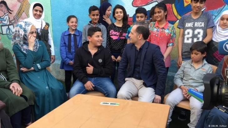 وزير الخارجية الألماني هايكو ماس في زيارة للاجئين السوريين في الأردن.