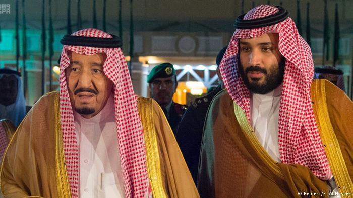 الملك السعودي سلمان وولي العهد محمد بن سلمان.  Foto: Reuters