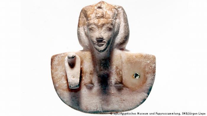 تمثال ملك مصر الفرعون إخناتون