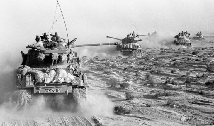 حين توجهت الدبابات الإسرائيلية في يونيو / حزيران 1967 إلى المواقع المصرية في شبه جزيرة سيناء. Foto: dpa