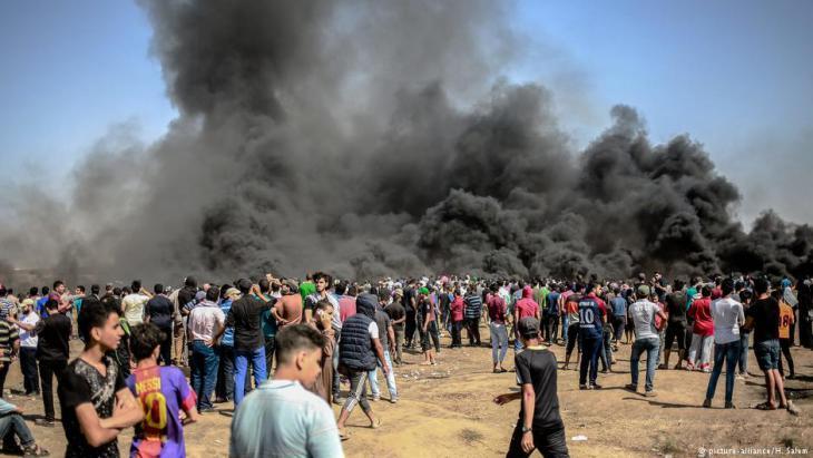 تجدد الاحتجاجات الفلسطينية على حدود قطاع غزة في 8 يونيو / حزيران 2018. Foto: picture-alliance/H.Salem