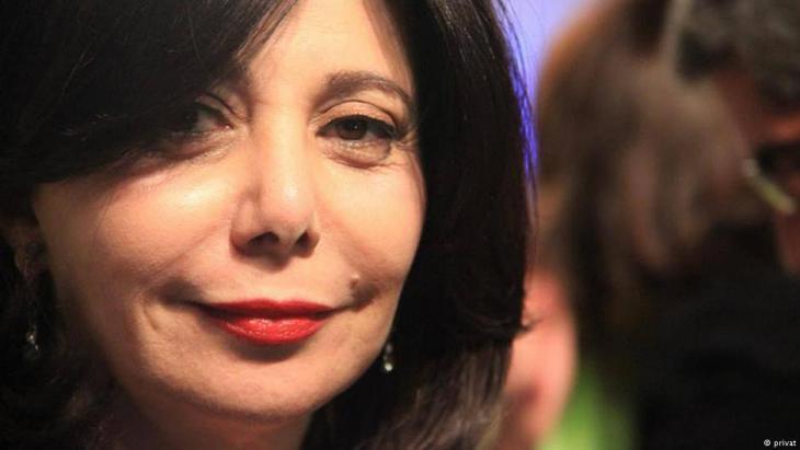 الكاتبة والمحللة السياسية الأردنية لميس آندوني.
