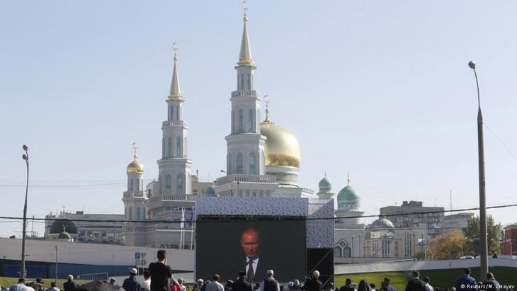 مسجد موسكو الكبير يبهر مشجعي مونديال روسيا 2018 - بضخامته وتاريخه الممتد لأكثر من قرن من الزمان