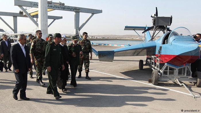 نموذج قارب إيراني طائر