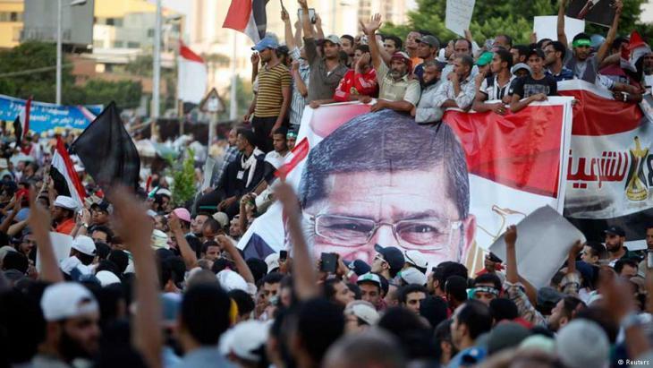 احتجاجات على عزل مرسي على يد الجيش بقيادة السيسي – مصر.