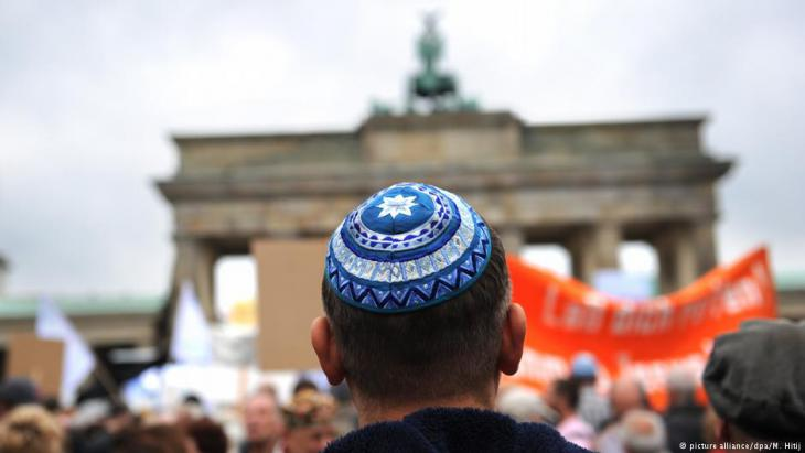 حذر رئيس وزراء ولاية تورينغن من تحميل مسؤولية العداء للسامية في ألمانيا للاجئين المنحدرين من الدول الإسلامية وحدهم، وذلك على هامش زيارة لممثلين عن مسلمي ألمانيا والاتحاد التقدمي اليهودي بزيارة لمعسكر آوشفيتز.