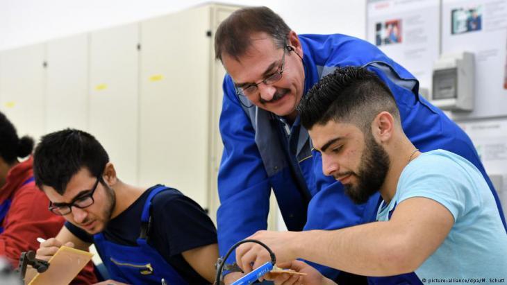 أكثر من 300 ألف لاجئ دخلوا سوق العمل في ألمانيا