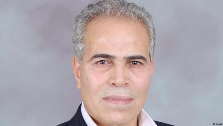 الأستاذ الباحث حسن أبو هنية