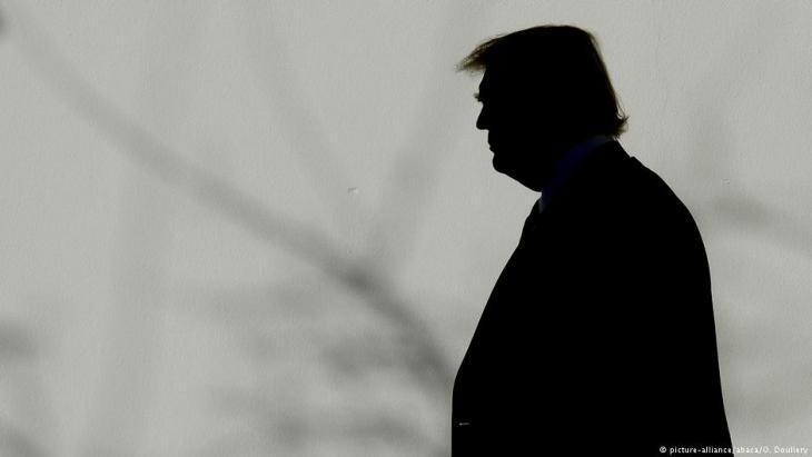 صُورَةٌ ظِلِّيَّة للرئيس الأمريكي دونالد ترامب. Foto: picture-alliance