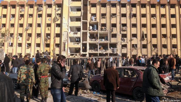 المدينة الجامعية - مساكن الطلاب الجامعة - وكلية الهندسة المعمارية في حلب، سوريا، في 15 يناير / كانون الثاني 2013.  (photo: AFP/Getty Images)
