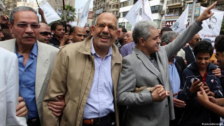 قادة جبهة الإنقاذ الوطني المعارض، محمد البرادعي وحمدين صباحي - مصر