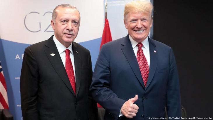 الرئيس الأمريكي ترامب والرئيس التركي إردوغان.