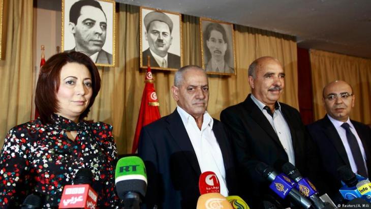 اللجنة الرباعية (المجتمع المدني) في تونس استحقت عن جدارة جائزة نوبل للسلام.