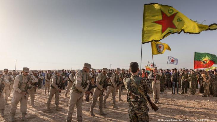 """وحدات حماية الشعب الكردية في """"روج آفا"""" - سوريا. Foto: picture-alliance/dpa"""
