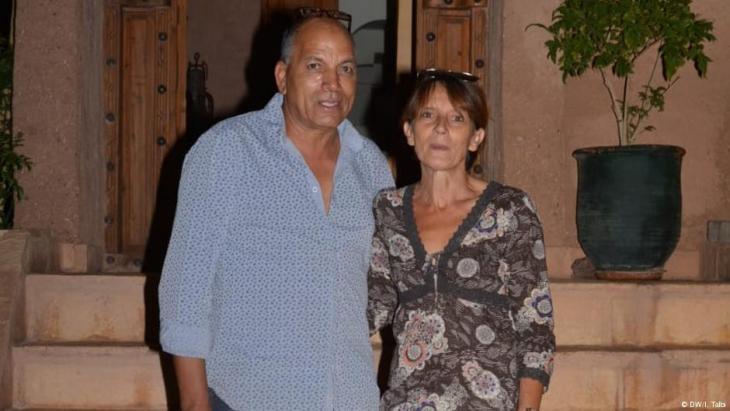 إدريس المغربي وزوجته الفرنسية ألكساندرا يعيشان حياة سعيدة منذ 30 عاما ولديهما ابنة في العشرين من عمرها