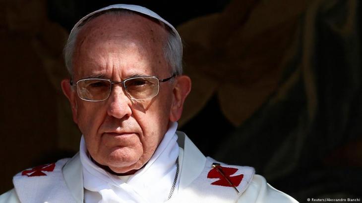 بابا الفاتيكان فرنسيس.  (photo: Reuters/Alessandro Bianchi)