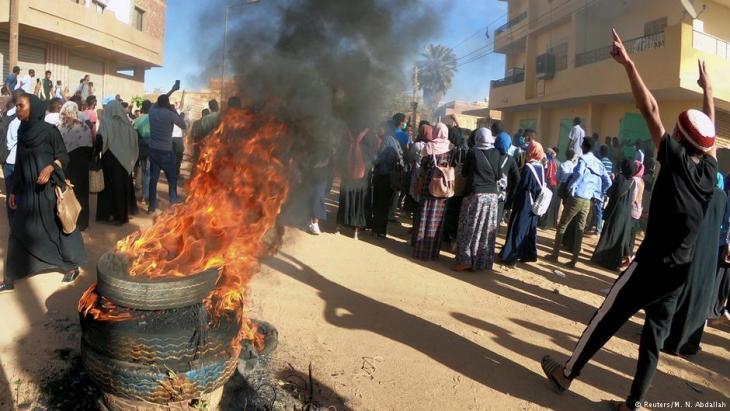 احتجاجات ضد الرئيس البشير في 20 يناير / كانون الثاني 2019 في الخرطوم - السودان. Foto: Reuters